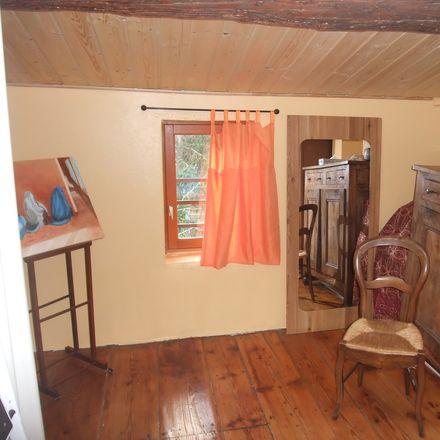 Rent this 2 bed house on Chemin du Penthod in Hôpital de la Croix-Rousse, 69004 Caluire-et-Cuire