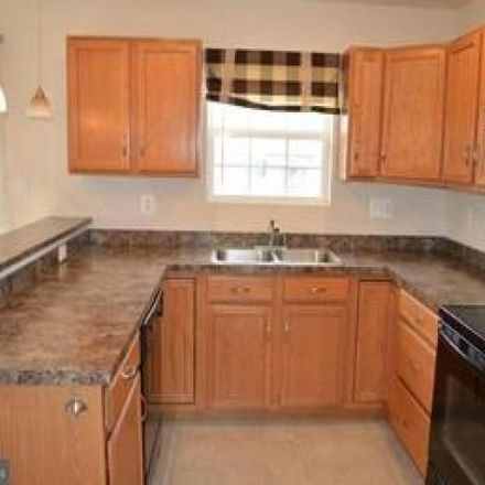 Rent this 3 bed condo on 229 Eliot Street in Lancaster County, PA 17603