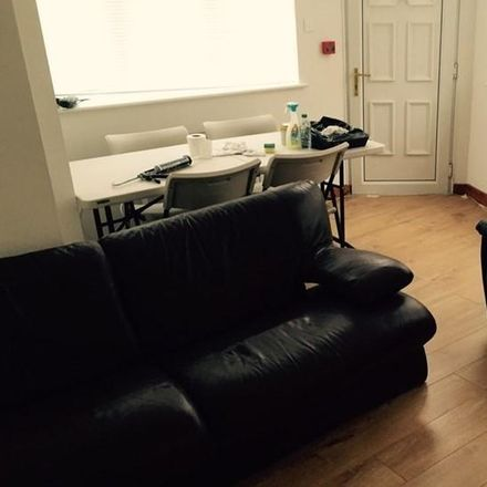 Rent this 7 bed house on Kendal Lane in Leeds LS3 1AS, United Kingdom