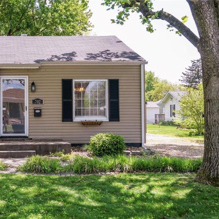 Rent this 2 bed house on 702 Victory Drive in Collinsville, IL 62234
