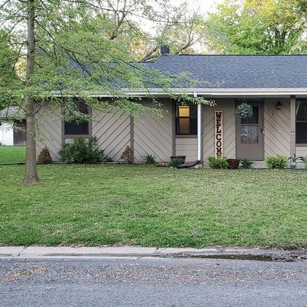 Rent this 3 bed house on 513 Oakwood Drive in Troy, IL 62294