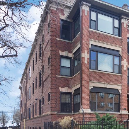 Rent this 3 bed condo on 5919-5927 North Kenmore Avenue in Chicago, IL 60660