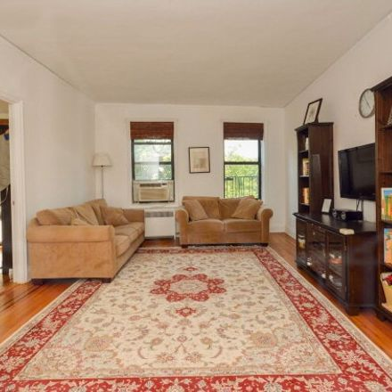 Rent this 3 bed condo on Waldo Ave in Bronx, NY