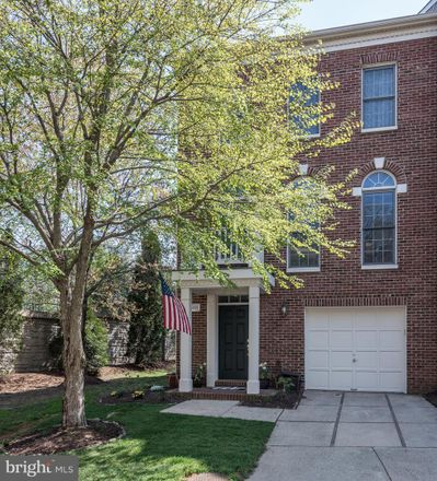 Rent this 3 bed townhouse on 4021 Heatherstone Court in Fair Oaks, VA 22030