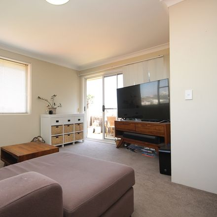 Rent this 2 bed apartment on 9/26 Bishops Avenue