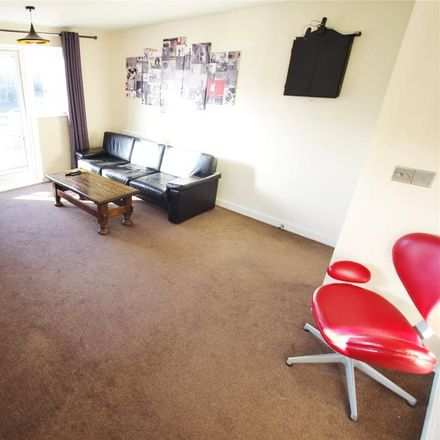 Rent this 1 bed house on Sainsbury's in Cow Lane, Watford WD25 9JS