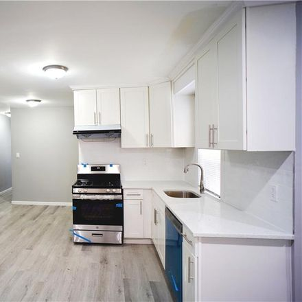 Rent this 3 bed townhouse on Brooklyn in NY, US