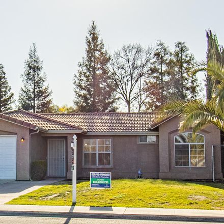 Rent this 3 bed house on 2539 North Court Street in Visalia, CA 93291