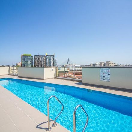 Rent this 1 bed apartment on 13/109 Point Street