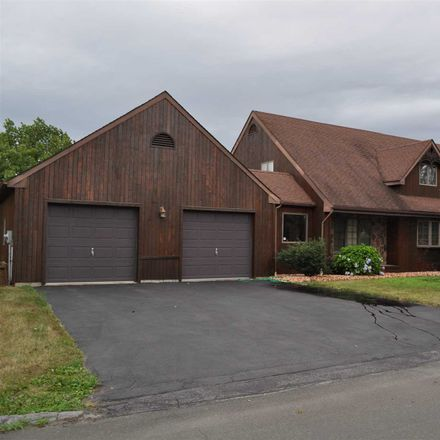 Rent this 3 bed house on Hart Dr in Poughkeepsie, NY