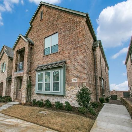 Rent this 3 bed condo on Flower Mound