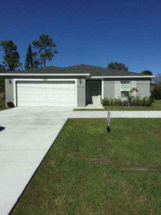 Rent this 4 bed house on 1475 SW del Rio Blvd in Port Saint Lucie, FL