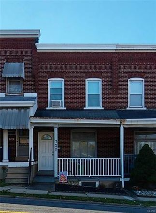 Rent this 3 bed townhouse on 722 North 15th Street in Allentown, PA 18102