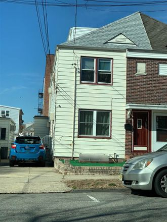 Rent this 4 bed duplex on 39 Broadway in Bayonne, NJ 07002