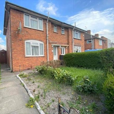 Rent this 3 bed house on Willenhall Street in Darlaston WS10 8HU, United Kingdom