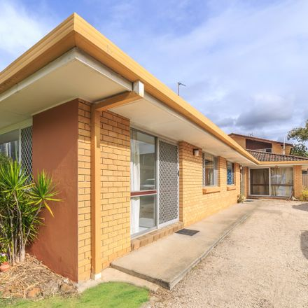 Rent this 2 bed apartment on 1/20 Parneno Street