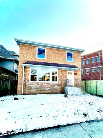 Rent this 4 bed house on West Berteau Avenue in Chicago, IL 60641