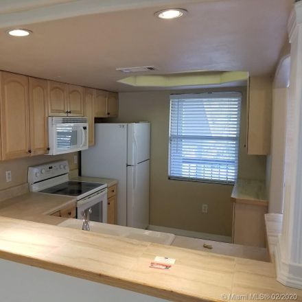 Rent this 2 bed condo on W Palma Ceia Ct in Tampa, FL