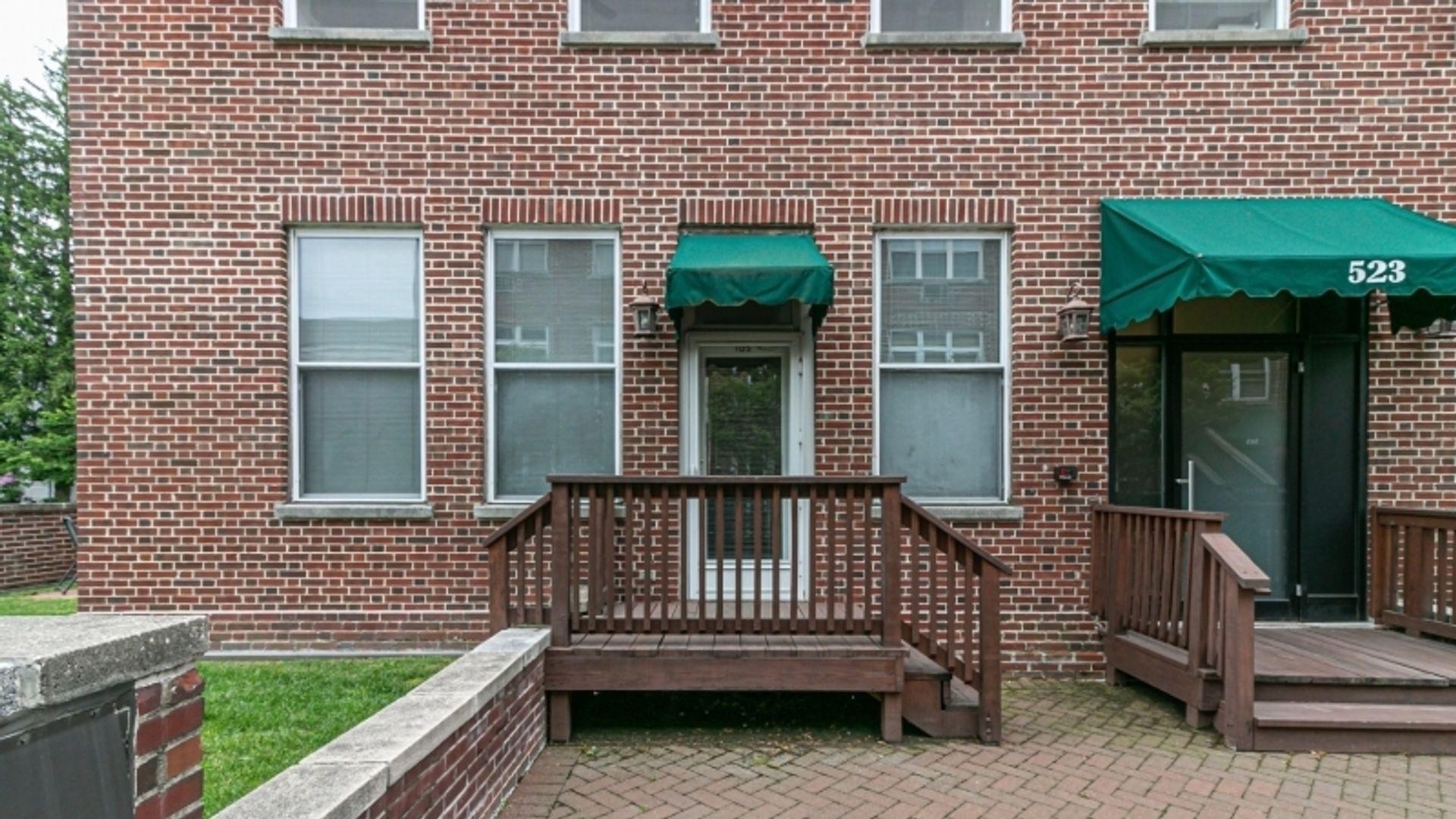 1-bed condo at Trinity Pl, Westfield, NJ, USA   #9700551 ...