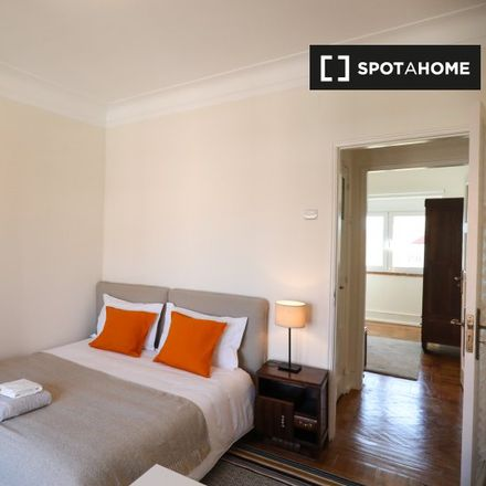 Rent this 7 bed apartment on Rua Presidente Wilson in 1000-238 Lisbon, Portugal