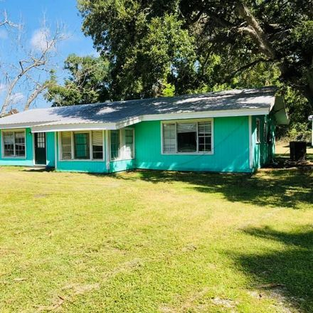 Rent this 3 bed house on US Hwy 98 in Apalachicola, FL