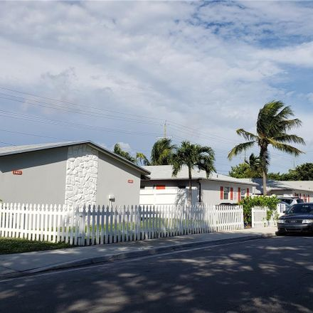 Rent this 2 bed duplex on N J St in Lake Worth, FL