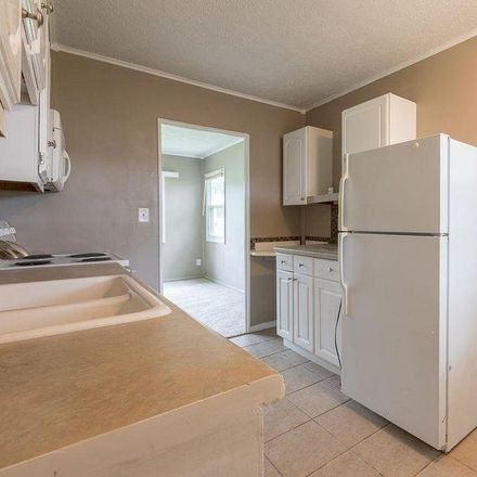 Rent this 2 bed house on 4002 Spring Cir in Omaha, NE 68105