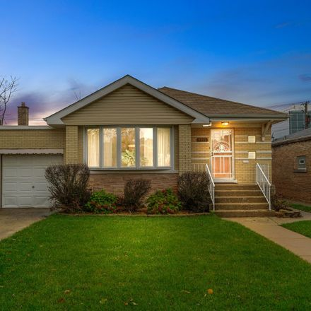 Rent this 3 bed house on South Claremont Avenue in Chicago, IL 60643