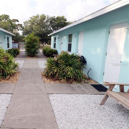 Rent this 2 bed apartment on Tarpon Springs