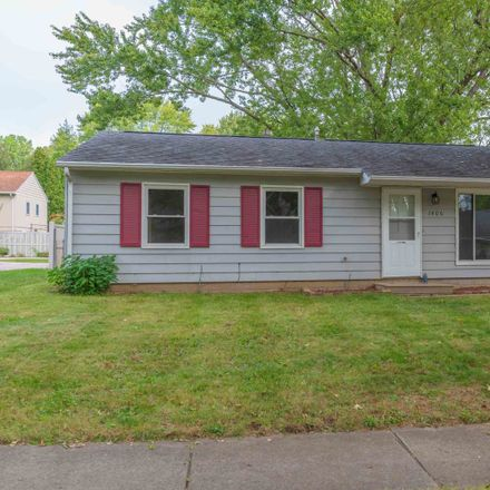 Rent this 3 bed house on 1406 Kingsridge Drive in Normal, IL 61761
