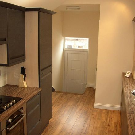 Rent this 6 bed apartment on Glenthorn Road in Newcastle upon Tyne NE2 3HJ, United Kingdom