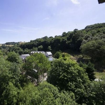 Rent this 2 bed apartment on Spinners Hollow in Calderdale HX6 4HY, United Kingdom