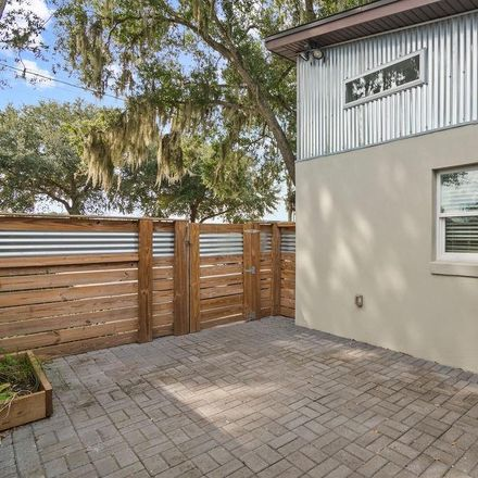 Rent this 3 bed duplex on S Mills Ave in Orlando, FL