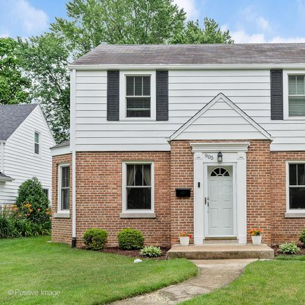 Rent this 3 bed house on 905 South Wheaton Avenue in Wheaton, IL 60189