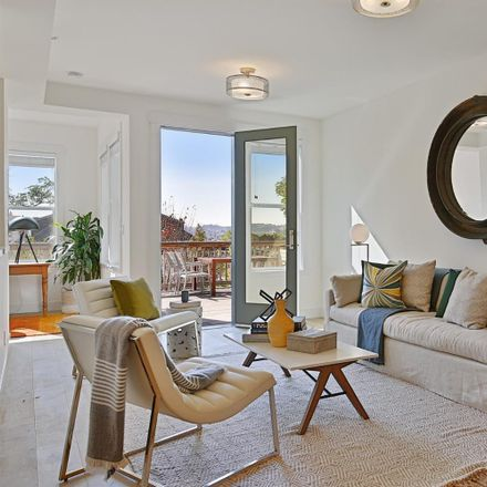 Rent this 4 bed apartment on 2135 California Street in San Francisco, CA 94115