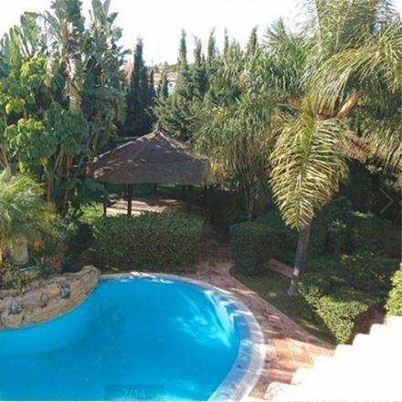 Rent this 2 bed room on Calle Salvador Dali in 29660 Marbella, Málaga