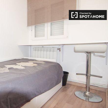 Rent this 4 bed room on Peñaca in Calle de la Rejilla, 19