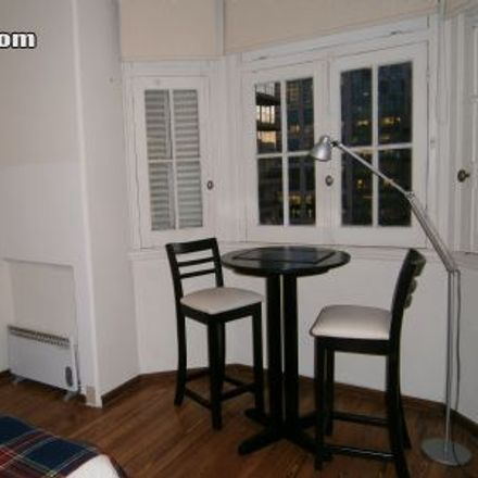 Rent this 0 bed apartment on Plaza Independencia in 0053 Montevideo, Uruguay