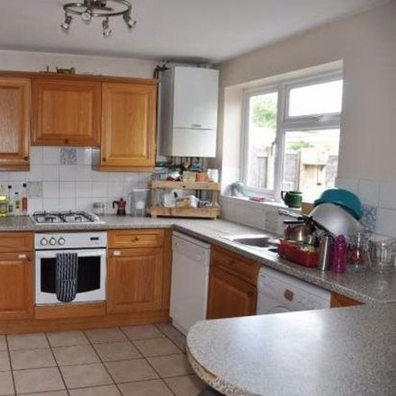 Rent this 3 bed house on 21 Ashvale in Cambridge CB4 2SZ, United Kingdom