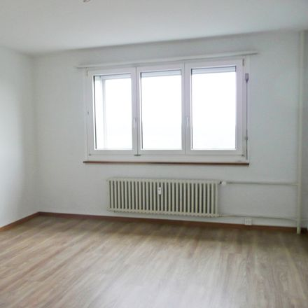 Rent this 4 bed apartment on Winkelriedstrasse in 8203 Schaffhausen, Switzerland