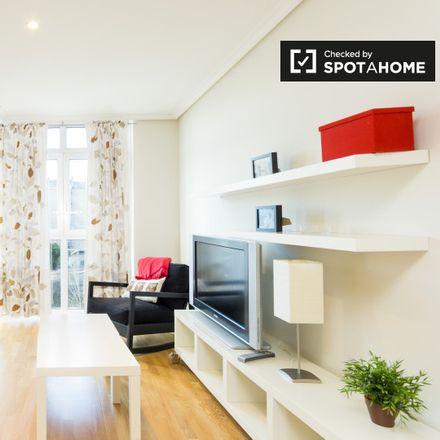 Rent this 1 bed apartment on Hospital General Universitario Gregorio Marañón. in Calle de O'Donnell, 28001 Madrid