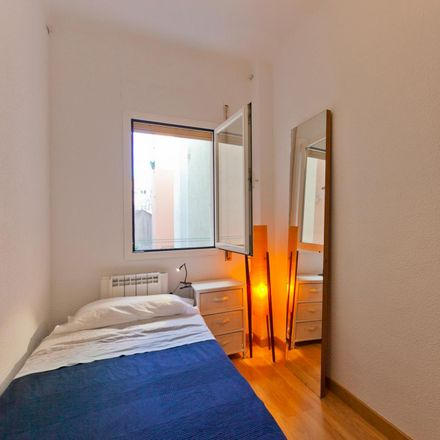 Rent this 2 bed room on Calle de Abtao in 24, 28007 Madrid