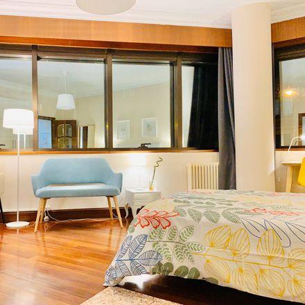 Rent this 4 bed room on Alameda de Recalde in 66, 48010 Bilbao