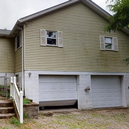 Rent this 3 bed house on Qak St in Chester, WV