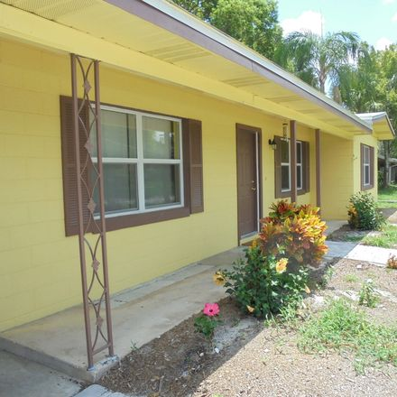 Rent this 2 bed house on Ellendale Drive in Aloma, FL 32792