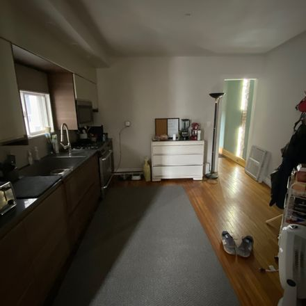 Rent this 1 bed room on Public School 38 in Lowell Place, Buffalo