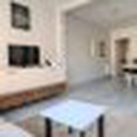 Rent this 4 bed apartment on Rüştü Uzel Meslek ve Teknik Lisesi in Teşvikiye Caddesi, 34365 Şişli