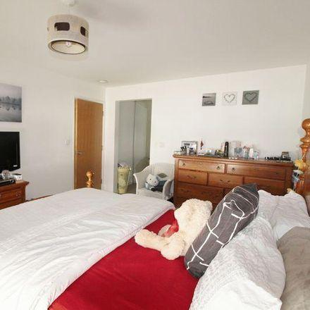 Rent this 2 bed apartment on Cumberland Infant School in Reginald Road, Portsmouth PO4 9JA