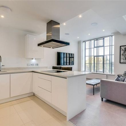 Rent this 2 bed house on Palace Wharf (1-5) in Crabtree Lane, London W6 9UF