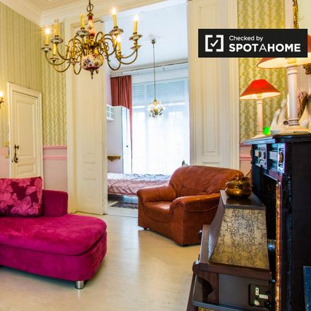 Rent this 1 bed apartment on Rue Boduognat - Boduognatusstraat 12C in 1000 Ville de Bruxelles - Stad Brussel, Belgium
